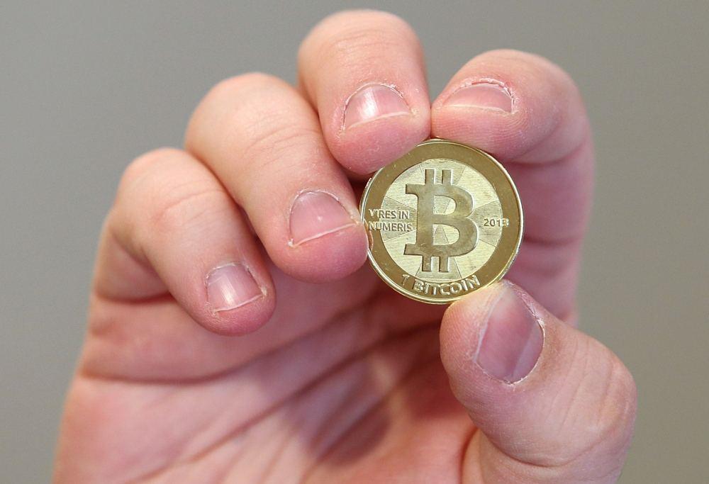 vienas brokeris bitkoinas)