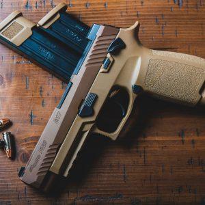 nagų ginklas prekyboje arsenalu kas tai yra dvejetainis variantas