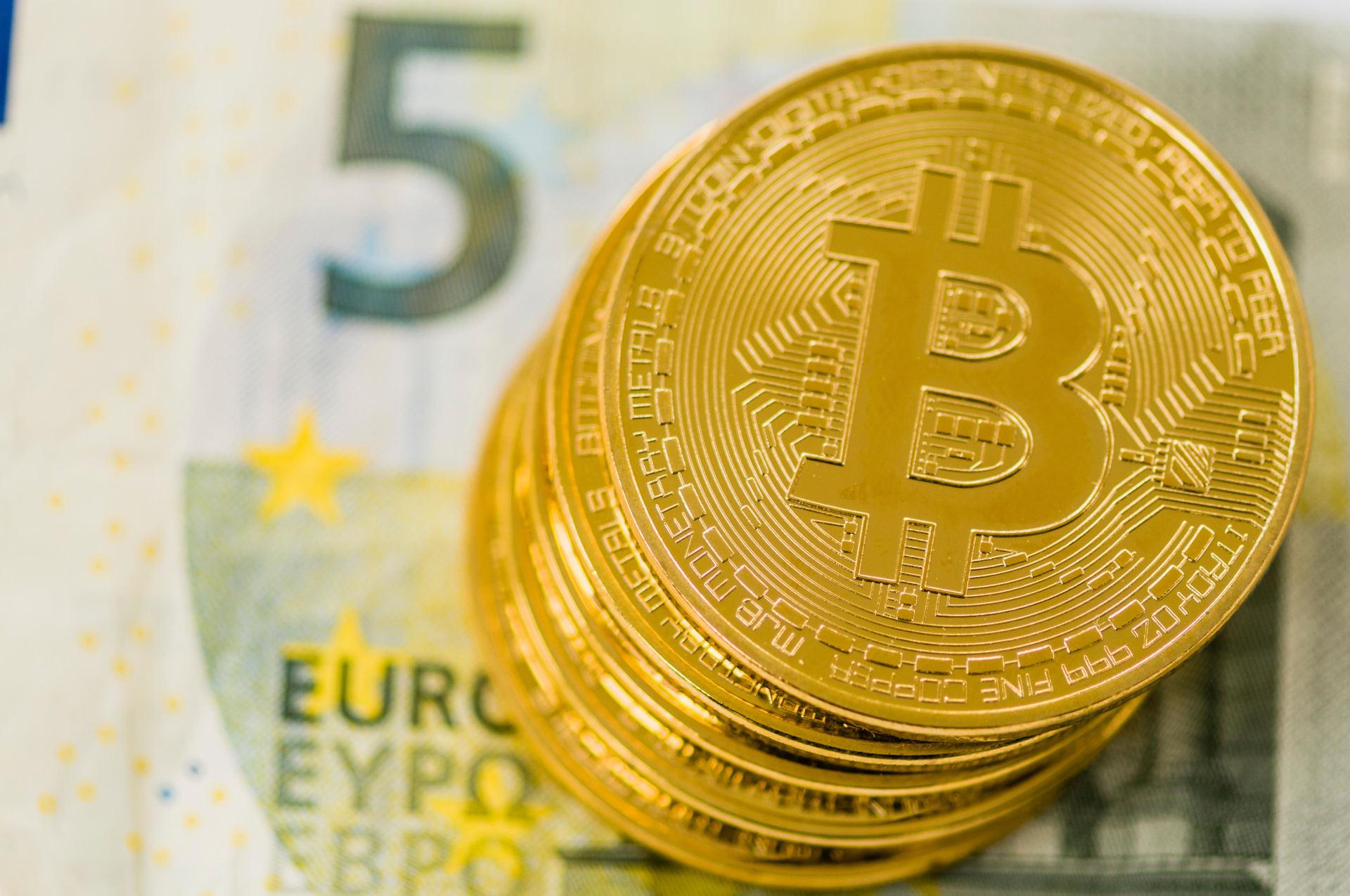 Smeliai: kada uždirbi pinigus iš bitkoino kriptografinė valiuta investuoja