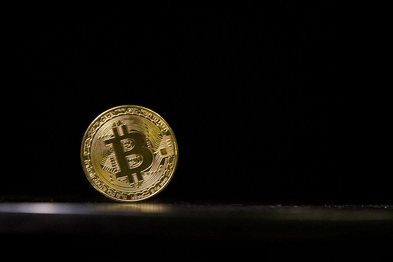 bitkoinas yra pinigai ar ne